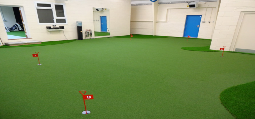 studio indoor putting green
